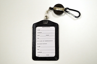 Vertical ID Holder Retractable - Black