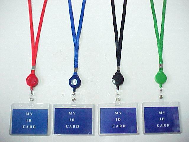LANYARD W/RETRACTABLE ID HOLDER